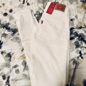 Brand new with tag Levi's 311 shaping jeans